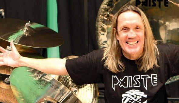 """Nicko McBrain y el recuerdo de Neil Peart: """"Fue un ser humano maravilloso y un baterista fenomenal"""""""