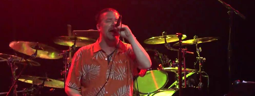 VIDEO: Mira completo el debut de Mike Patton en vivo con Dead Cross