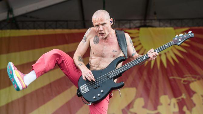 """Flea se unirá a elenco integrado por Margot Robbie y Brad Pitt en nueva película del director de """"Whiplash"""""""