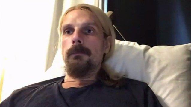 """""""Me salvaste la vida. Mi pequeña me vio llegar a casa"""": Richie Faulkner agradeció a los médicos por la cirugía que lo salvó"""