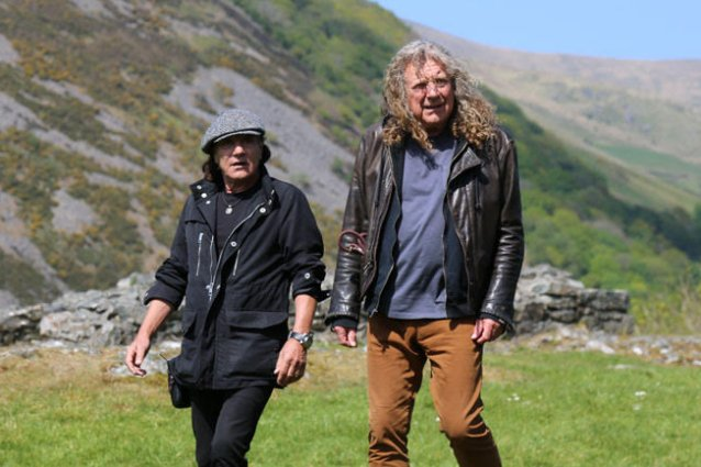 Épico: Brian Johnson viajó a Gales para entrevistar a Robert Plant