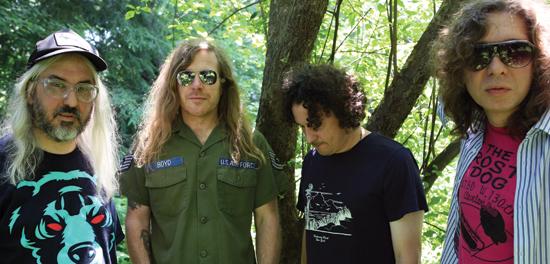 Mark Lanegan colabora en  Sweet Apple, el proyecto de J Mascis de Dinosaur Jr, escucha el disco completo