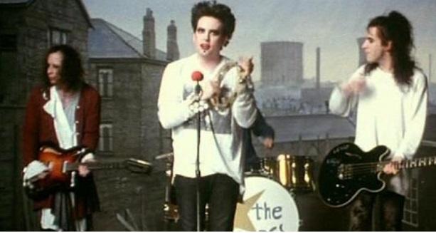 Friday I'm Love: The Cure lanza colección especial para el día de los enamorados