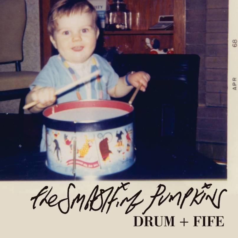 "The Smashing Pumpkins libera cuarto adelanto de su nuevo disco, escucha ""Drums & Fife"""