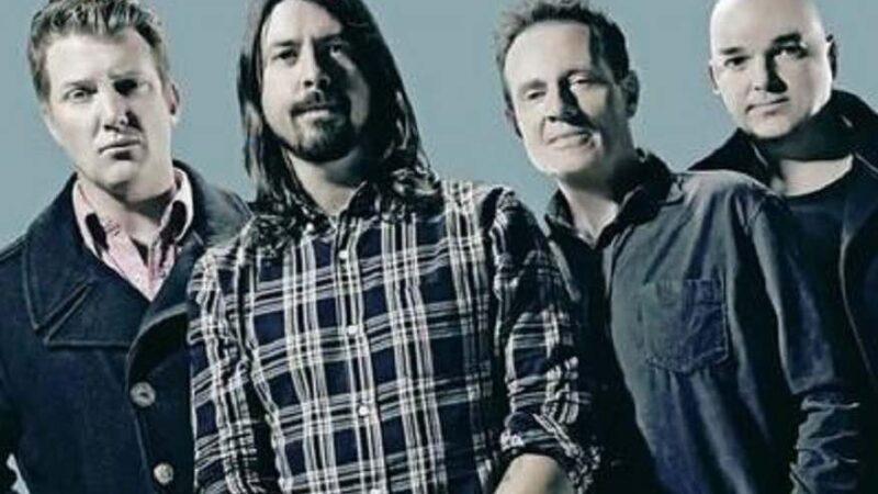 """Dave Grohl y el posible regreso de Them Crooked Vultures: """"siempre hay algo cocinándose"""""""