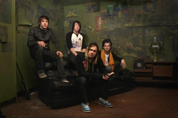 Mira 'I Come Alive', el nuevo video/lyrics de  The Used